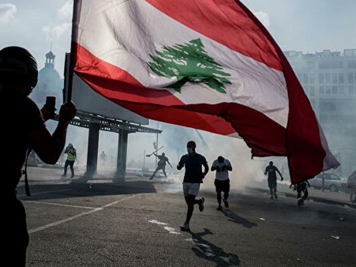 У здания парламента в Бейруте возобновились беспорядки