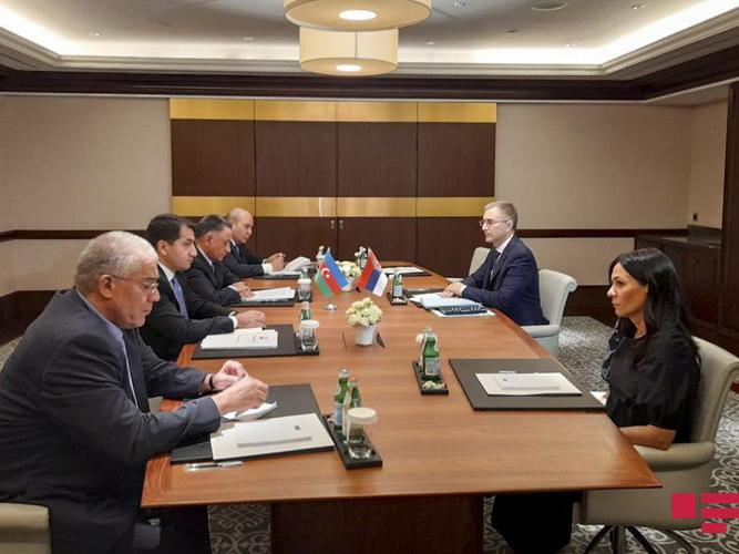 В Баку обсуждается вопрос поставок сербского оружия Армении в разгар боевых действий на азербайджано-армянской границе
