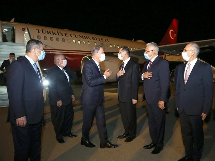 Türkiyə Milli Müdafiə naziri və Baş Qərargah rəisi Azərbaycana gəlib - FOTO