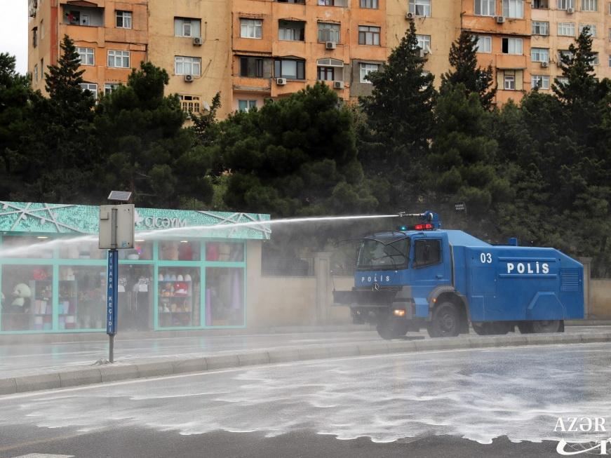 На улицах столицы проводятся очередные дезинфекционные работы - ФОТО