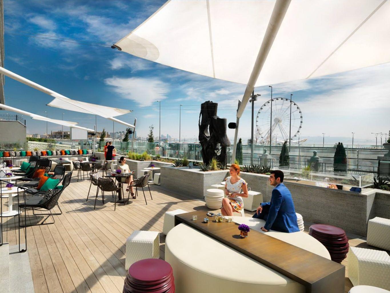 С 18 августа открываются кафе и рестораны, в которых посетителей обслуживают на открытых верандах