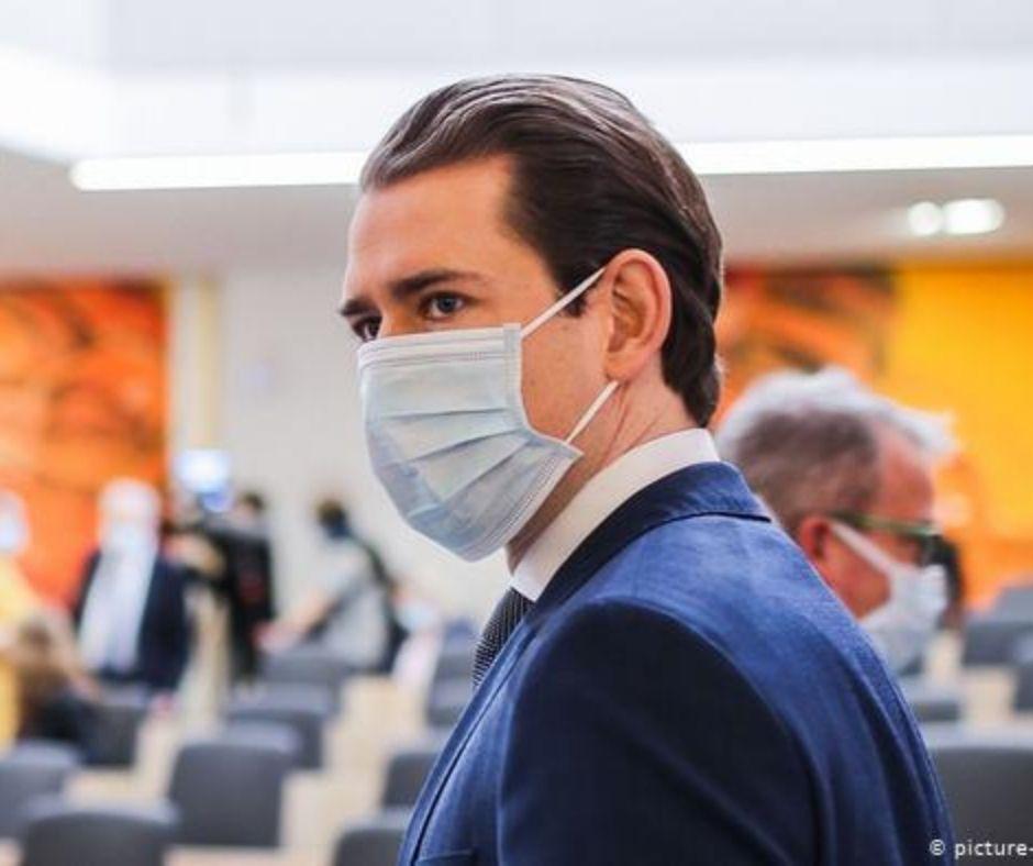 Канцлер Австрии заявил о начале второй волны пандемии в стране