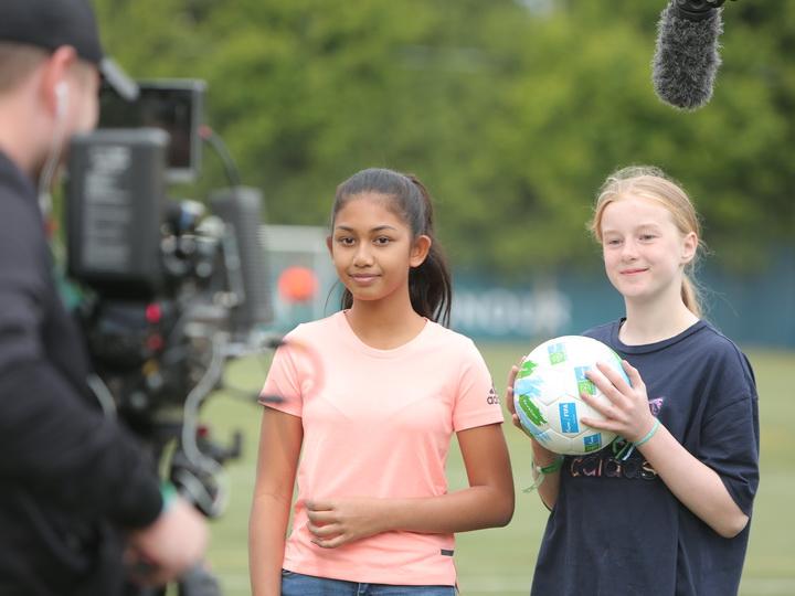 «Футбол для дружбы» приглашает детей из Азербайджана попробовать себя в роли спортивных комментаторов