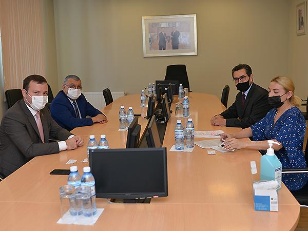 Эльхан Мамедов поговорил о футболе с послом Колумбии в Азербайджане – ФОТО