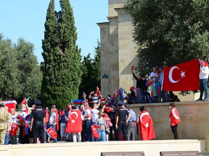Bakıda Türkiyəyə dəstək aksiyası keçirilib - FOTO