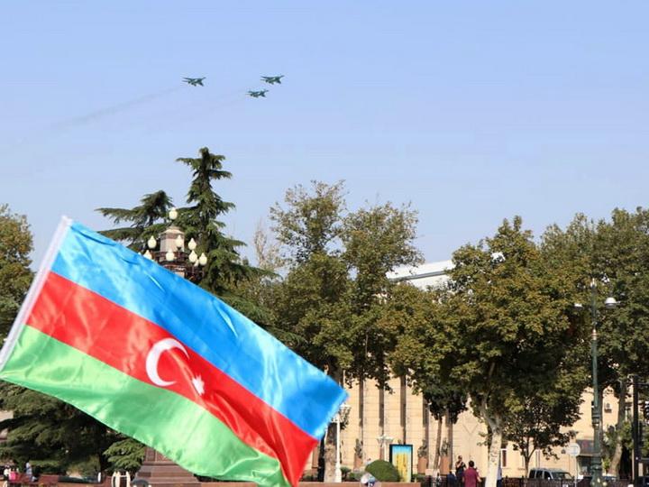 Авиационные средства ВВС Азербайджана и Турции совершили совместные полеты над городом Гянджа - ФОТО - ВИДЕО