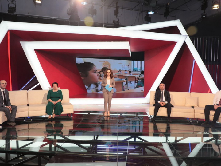 На телеканале AzTV обсудили начало учебного года в период пандемии – ВИДЕО – ФОТО