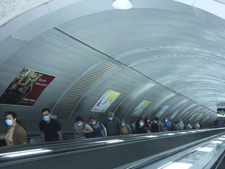 """Deputat: """"Metroda qaydalara riayət etmək lazımdır ki, yoluxma sayı artmasın"""""""