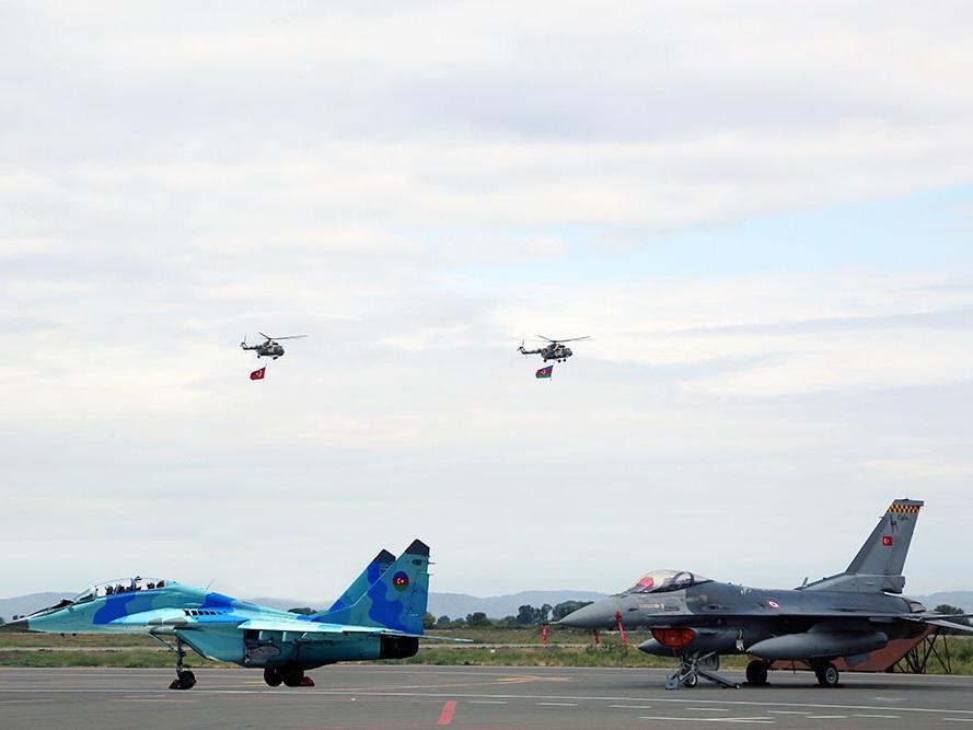 ВВС Азербайджана и Турции совершат совместные полеты над городом Гянджа