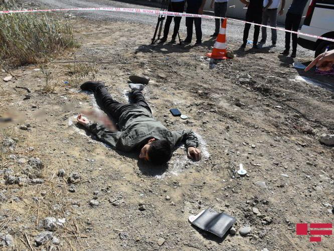 В Баку рабочий упал с 11-го этажа