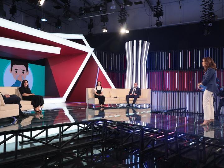На телеканале AzTV обсудили вопросы психологической поддержки родителей и детей во время пандемии – ФОТО – ВИДЕО