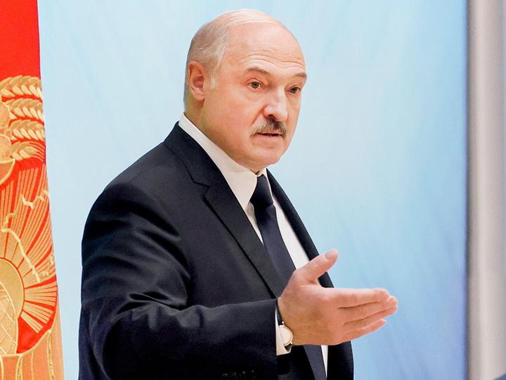 Лукашенко заявил, что вынужден закрыть границу с Литвой и Польшей