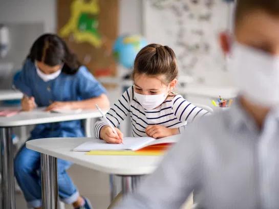Глава ВОЗ: закрытие школ должно быть самой крайней мерой – ВИДЕО