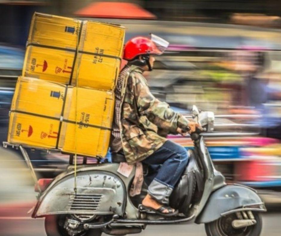 Дорожная полиция Баку: Курьеры на мопедах грубо нарушают правила
