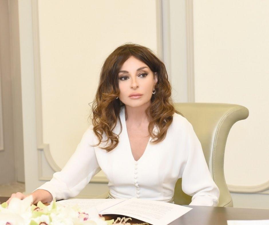 Мехрибан Алиева: Желаю, чтобы наша национальная музыка постоянно обогащалась новыми голосами и исполнениями