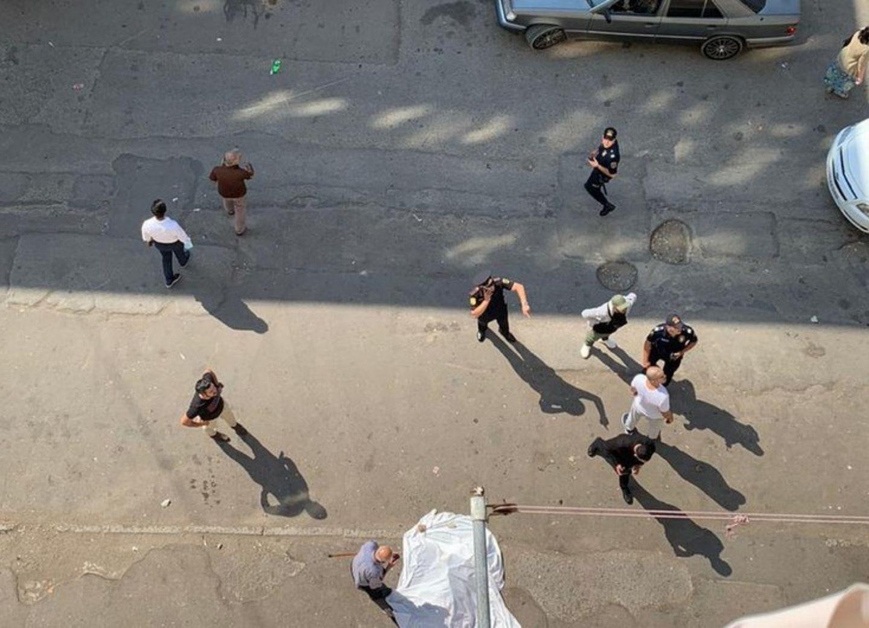 В Баку женщина выбросилась с 8-го этажа - ВИДЕО