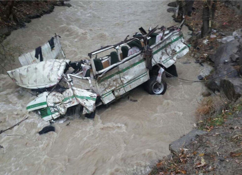 В Нигерии 14 человек погибли после падения автобуса в реку