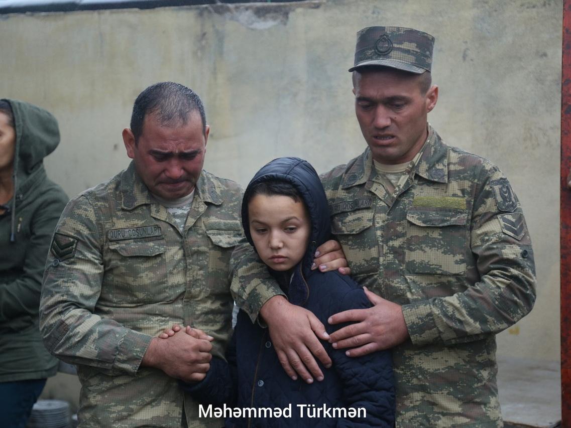 Проходит церемония прощания с погибшим сержантом Эльшаном Мамедовым – ФОТО