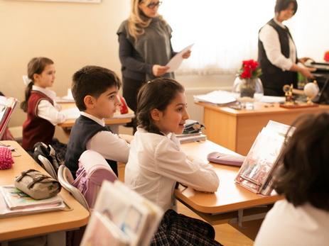 В Азербайджане родители 7 868 школьников отказались от очной формы обучения своих детей