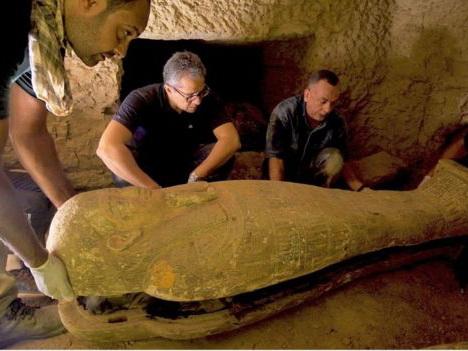 Египетские археологи откопали сразу 27 древних саркофагов - ФОТО
