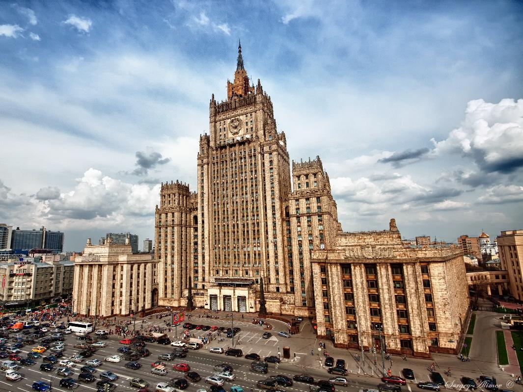 Москва призывает стороны карабахского конфликта прекратить огонь и приступить к переговорам - МИД РФ