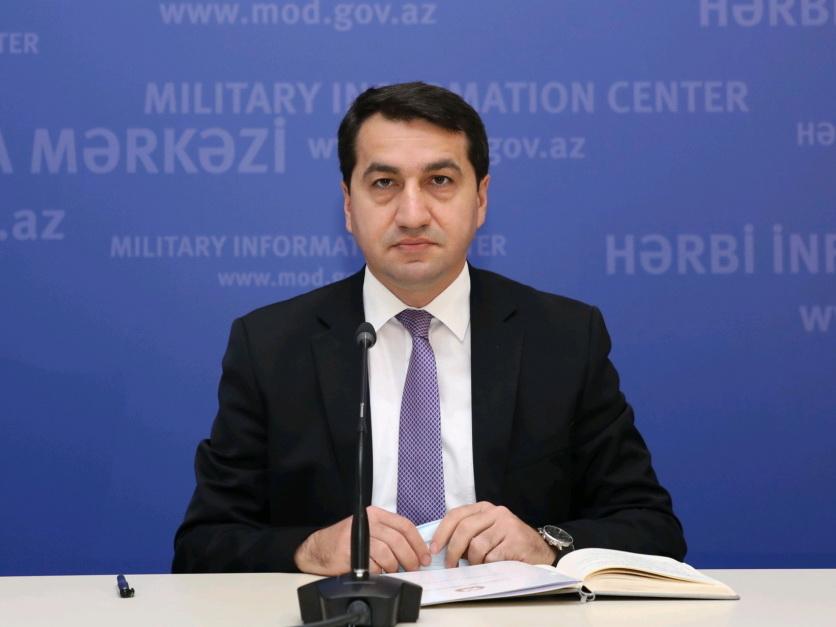 Хикмет Гаджиев: Готовы оказать всю помощь мирным жителям и военнослужащим, желающим перейти на азербайджанскую сторону