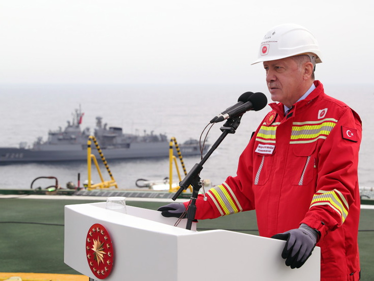 Турция нашла в Черном море 85 миллиардов кубометров газа
