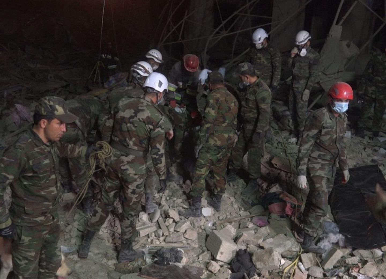 Из-под завалов разрушенных зданий в Гяндже извлечены 13 тел погибших и более 45 пострадавших - ФОТО - ОБНОВЛЕНО