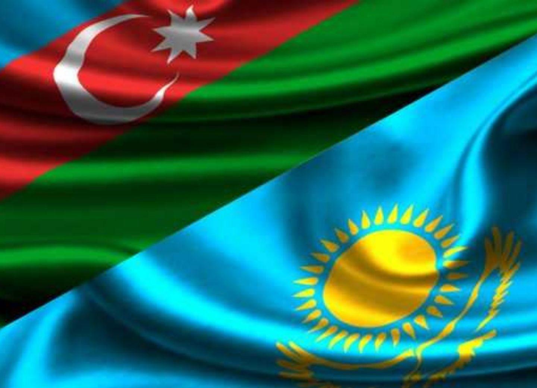Казахстан поздравил Азербайджан с Днем независимости