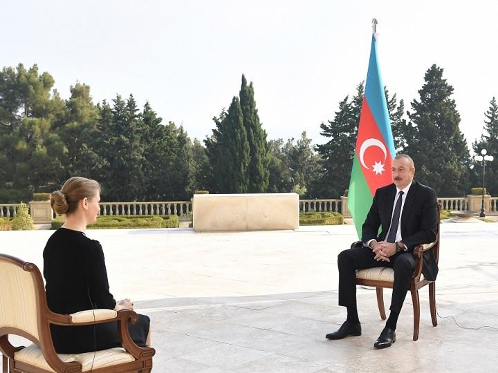 Prezident: İndiki halda əsas məsələ Ermənistan və Azərbaycan rəhbərliklərinin siyasi iradəsidir. Bizim tərəfdən bu iradə var