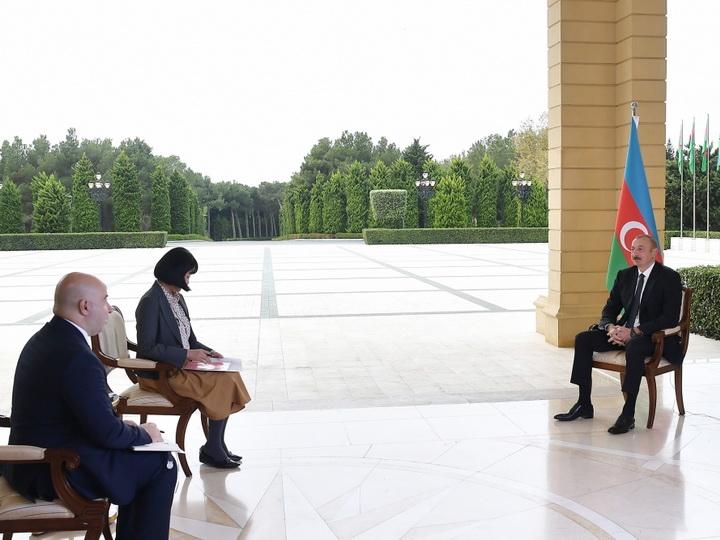 Президент Ильхам Алиев дал интервью японской газете Nikkei - ФОТО