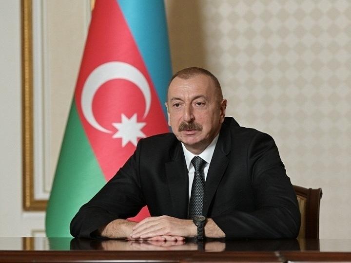 Ali Baş Komandan İlham Əliyevin rəhbərliyi ilə operativ müşavirə keçirilib – FOTO – YENİLƏNİB