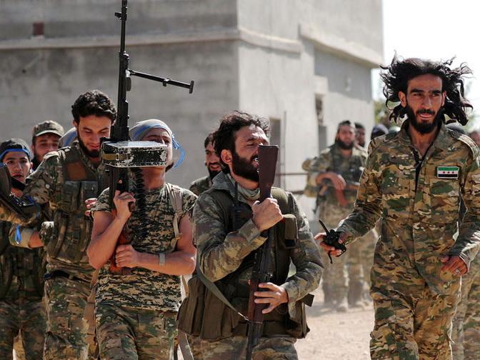 «Мирные ополченцы»? Для чего Би-би-си пиарит армянских боевиков в Карабахе