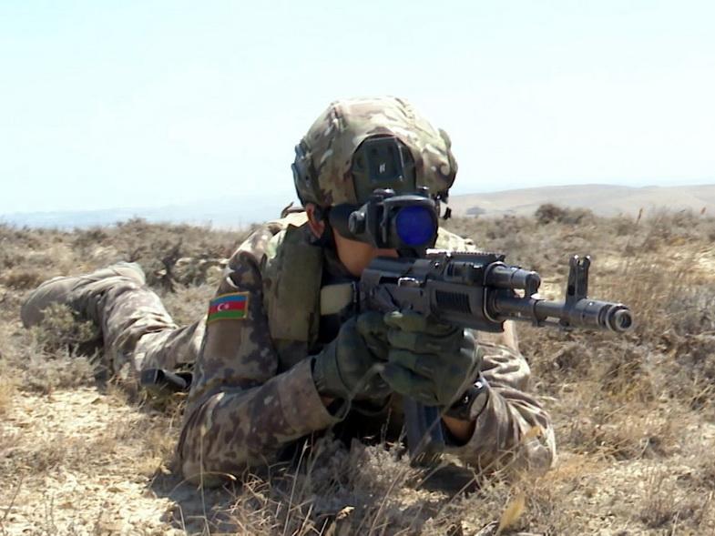 Противник подвергает обстрелу подразделения Азербайджанской Армии