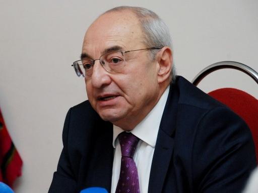 Экс-премьер Армении призвал Пашиняна подать в отставку