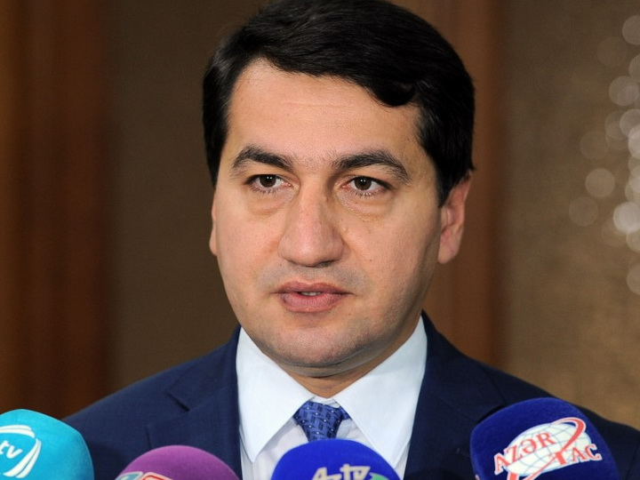 Hikmət Hacıyev: Ermənistan dinc insanları öldürməklə hərbi cinayətlərə əl atır