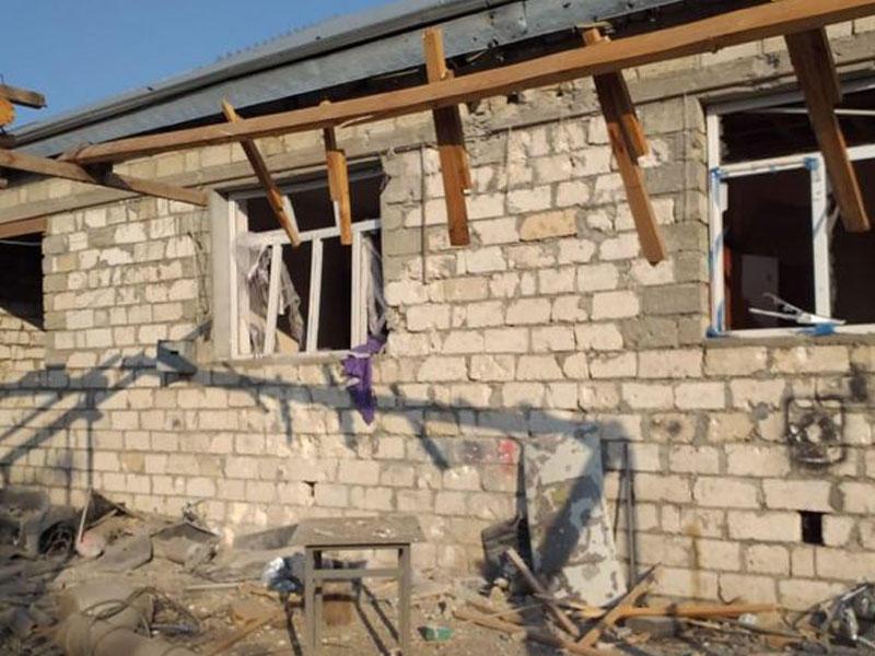 Ermənistan Ağdamı atəşə tutdu, bir ev dağıdıldı - FOTO