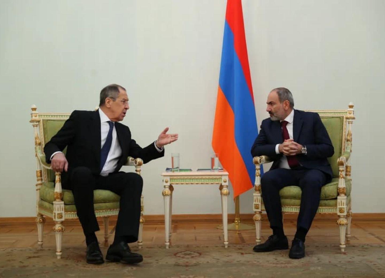 «Армяне не уважают Россию!» Фотографии со встречи Лаврова и Пашиняна вызвали обсуждения - ФОТО