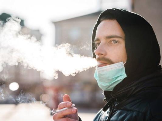 МВД внесло ясность в вопрос курения в общественных местах - ОБНОВЛЕНО