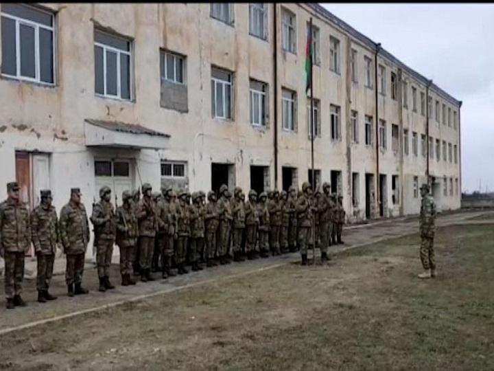 Ağdamın Gülablı kəndindəki keçmiş orta məktəbdə Azərbaycan bayrağı qaldırılıb – FOTO