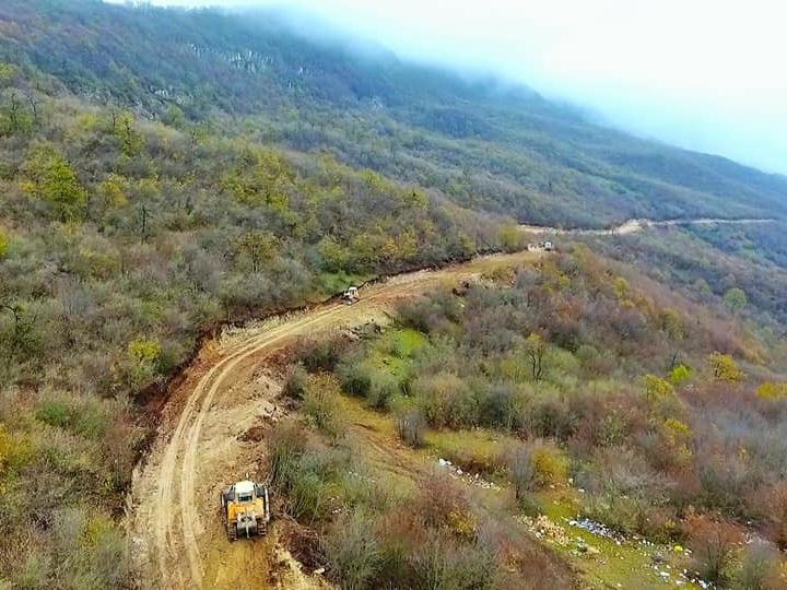 На освобожденных территориях будет построена автодорога до границы с Арменией