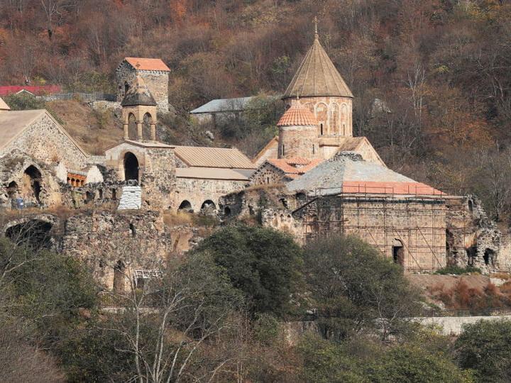 Очевидный пример армянских фальсификаций – албанский монастырь Худавенк