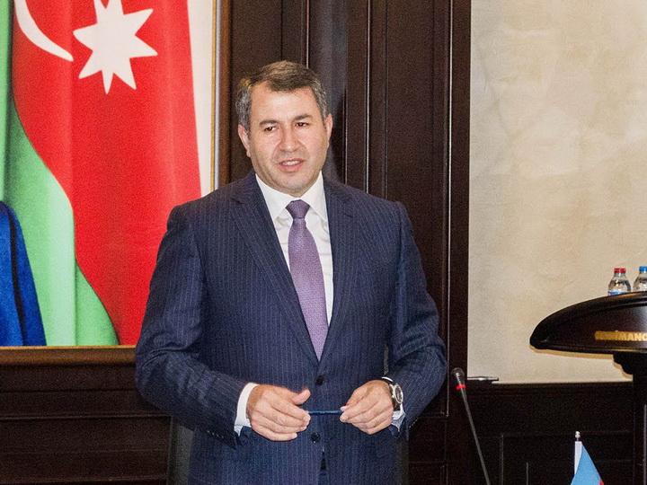 В Баку уволен скандально известный чиновник - ФОТО