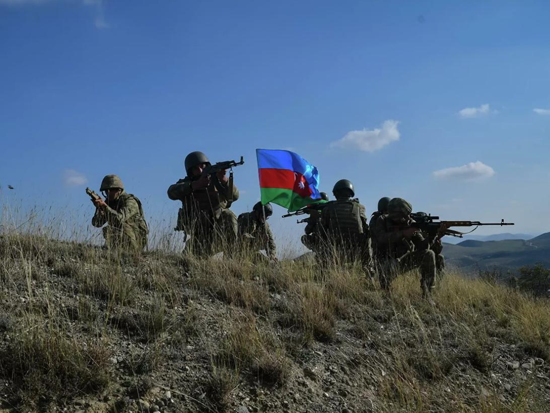 В Азербайджане учреждены новые ордена и медали за победу в Отечественной войне