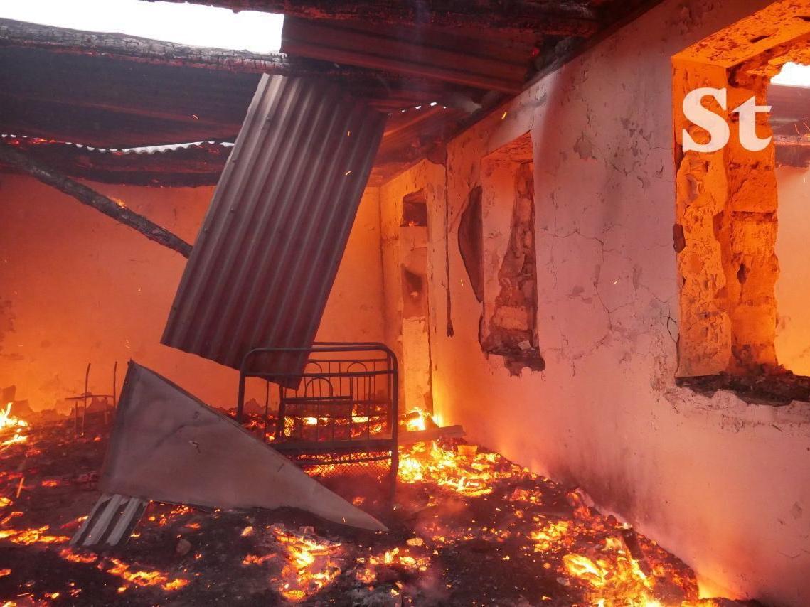 Армяне начали сжигать дома в Лачинском районе - ФОТО