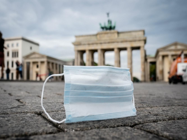 В Германии из-за роста числа заражений COVID-19 продлен локдаун