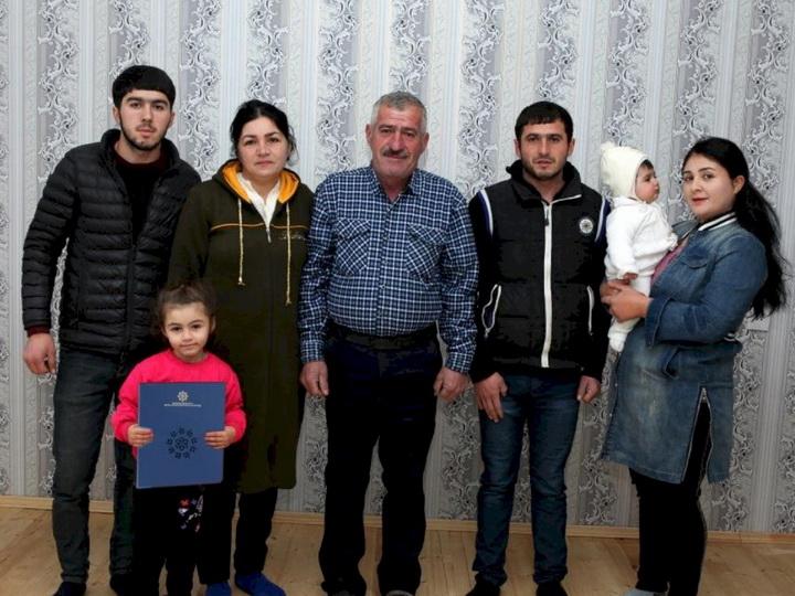 Семьям шехидов и инвалидам Карабахской войны предоставлено жилье - ФОТО