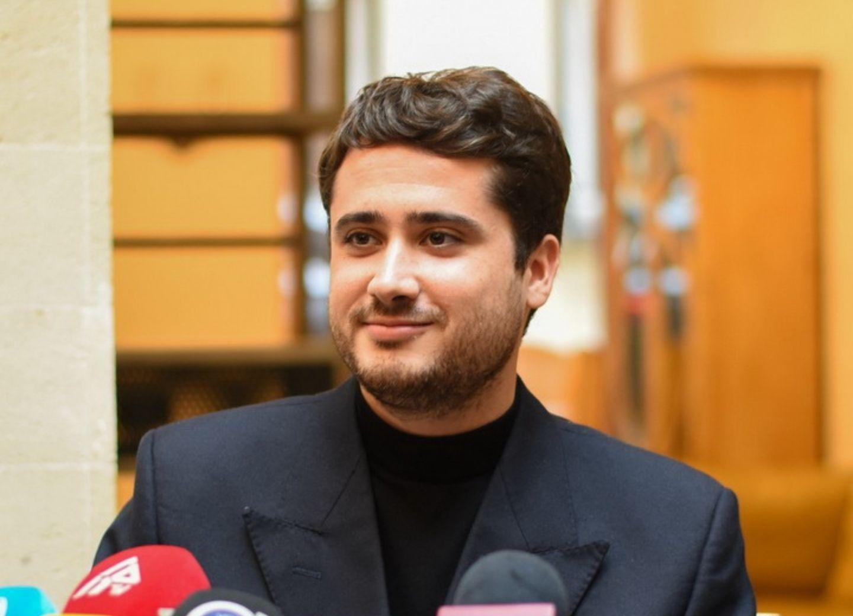 Правнук Тагиева, историк Албан Клод едет в Карабах писать о войне – ФОТО