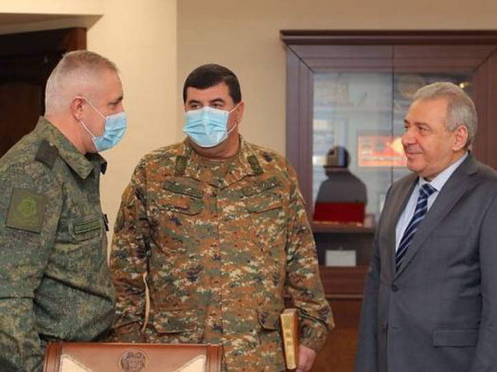 Командующий российскими миротворцами встретился с новым министром обороны Армении