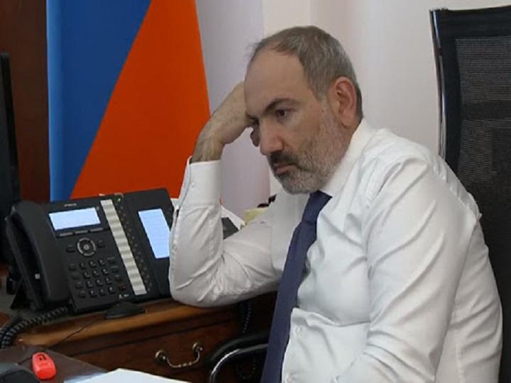 Paşinyan bir saatda iki dəfə Putinə zəng edib